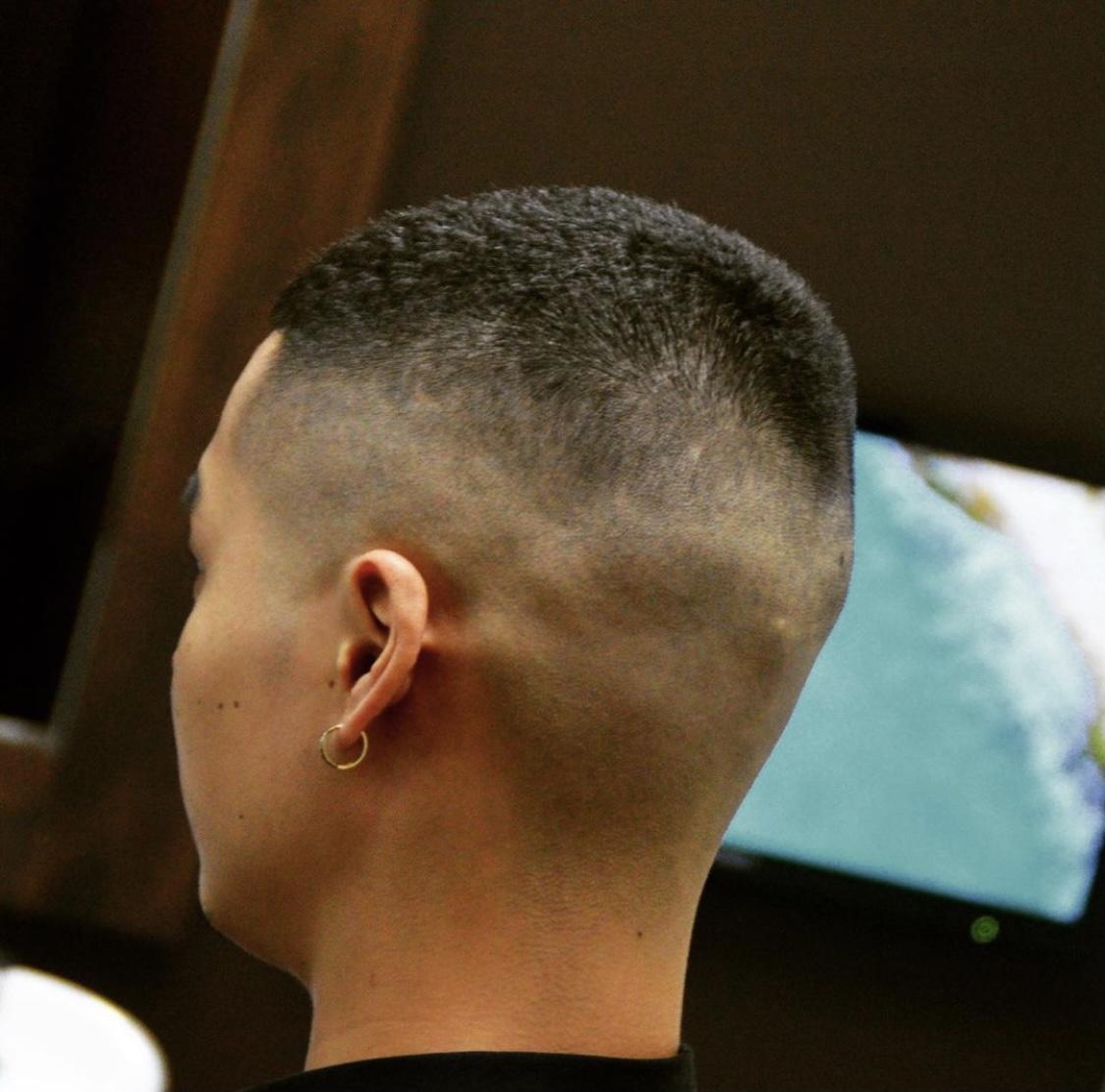 スキンフェード×坊主の髪型